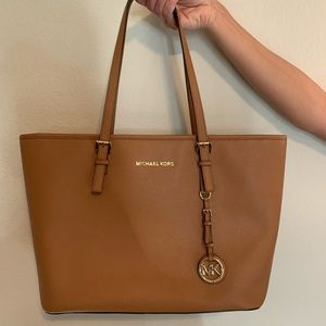 Michael Kors Jet Set Travel Carryall Tote Bag